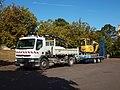 Lainsecq-FR-89-place foirail-camion & excavateur-02.jpg