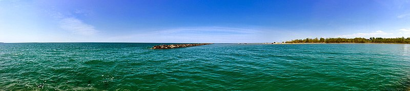 File:Lake Erie Panoramic View May 2016 - panoramio.jpg