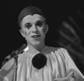 Leo Sayer - TopPop 1974 02.png