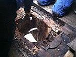 Ligeledes er det nødvendigt at udskifte træ i rorbrønden (8447569690).jpg