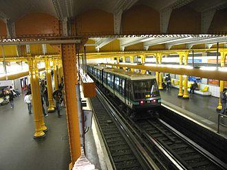 Paris Métro Line 1 - Image: Ligne 1 Gare de Lyon 3