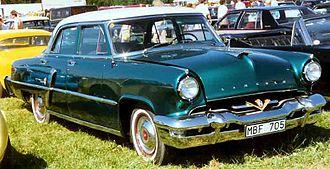 Lincoln Capri - 1953 Lincoln Capri sedan