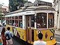 Lisboa, Largo da Sé, bonde (03).jpg
