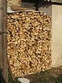 Lovely organization of firewood (3947071229).jpg