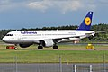 Lufthansa, D-AIQD, Airbus A320-211 (16271055307).jpg