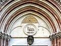 Lunetta portone centrale chiesa san Francesco.JPG