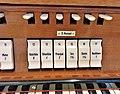 München-Harlaching, Klinikum Schuster-Orgel (Spieltisch) (3).jpg