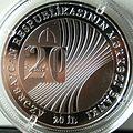 Mərkəzi Bankın 20 illik yubileyinə həsr olunmuş gümüş xatirə sikkəsi-üz.jpg
