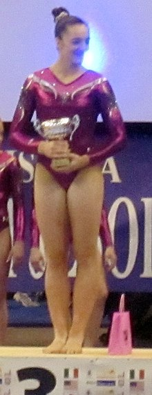 Description de l'image Maggie Nichols Jesolo Trophy 2014 podium (cropped).JPG.