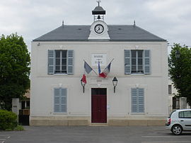 The town hall of Courson-Monteloup