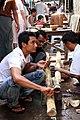 Mandalay-Jademarkt-52-Polierer-gje.jpg