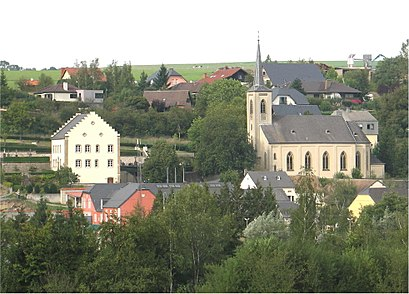 How to get to Manternach with public transit - About the place