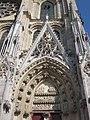 Mantes-la-Jolie - portail des échevins - collégiale Notre-Dame.JPG