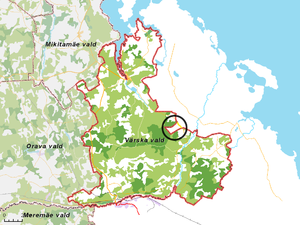 Saatse Boot - Värska Parish, with the Saatse Boot marked by the circle on the northeastern border. The road crossing through Russia is marked in yellow.