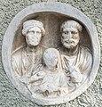 Maria Saal Zollfeld Gasthof Fleissner röm. Medaillon-Relief Ehepaar mit Kind 18102015 8145.jpg