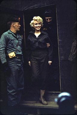 Marilyn Monroe, Korea, 1954 (2)