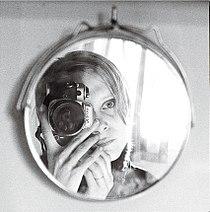 May-Irene Aasen, selvportrett 1984.jpg