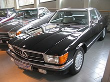 Mercedes-Benz 500 SL R107 (14418697821).jpg