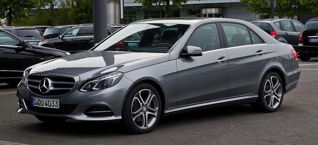 1024px-Mercedes-Benz_E_200_CDI_Avantgard