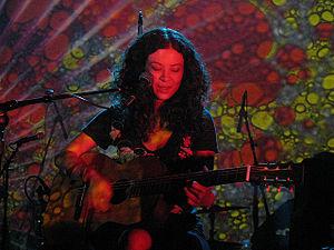 Mia Doi Todd - Image: Mia Doi Todd at the Echoplex, August 2008