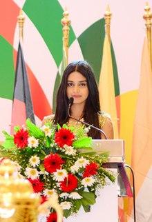 Michelle Dilhara - Wikipedia