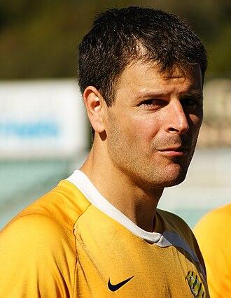 Mile Sterjovski - Sterjovski training for the Australian national team