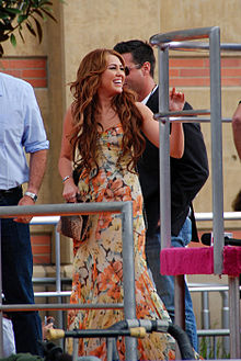 Miley Cyrus na podelitvi nagrad Kids Choice Awards leta 2011 v centru Galen, Los Angeles
