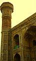 Minaret Chauburji, Lahore.jpg