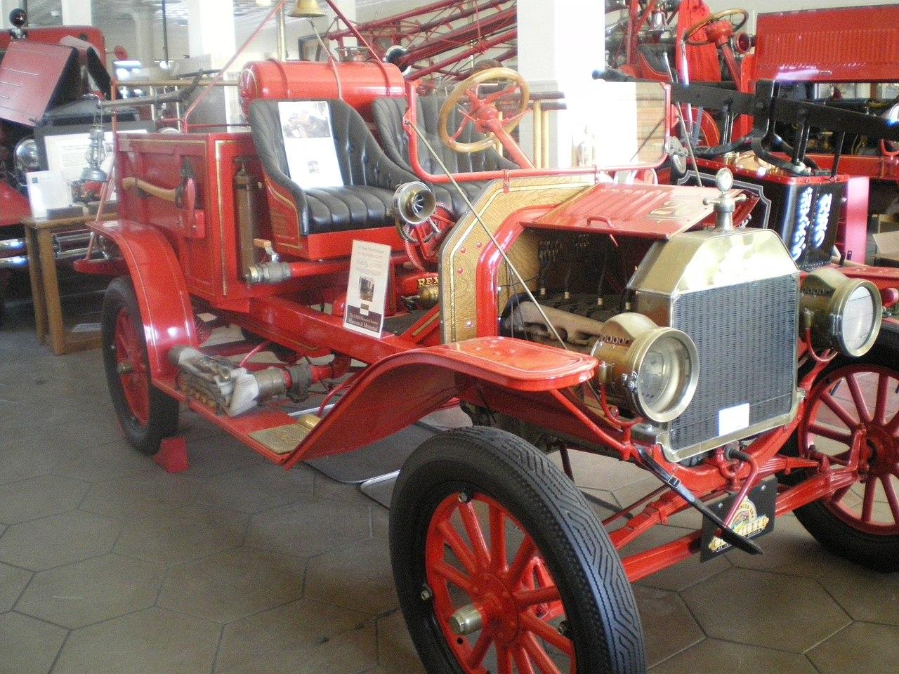 File:Model T Fire Engine, Los Angeles Firefighters Museum.JPG
