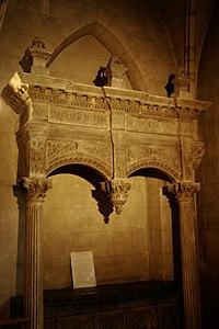 Monument funéraire d'Arthur de Magneville.jpg