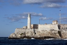 Morro Castle in Havana, Cuba, guards the entrance to Havana bay LCCN2010638815.tif