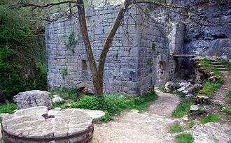 Alzou (Ouysse) - Ruins of the moulin du Saut.