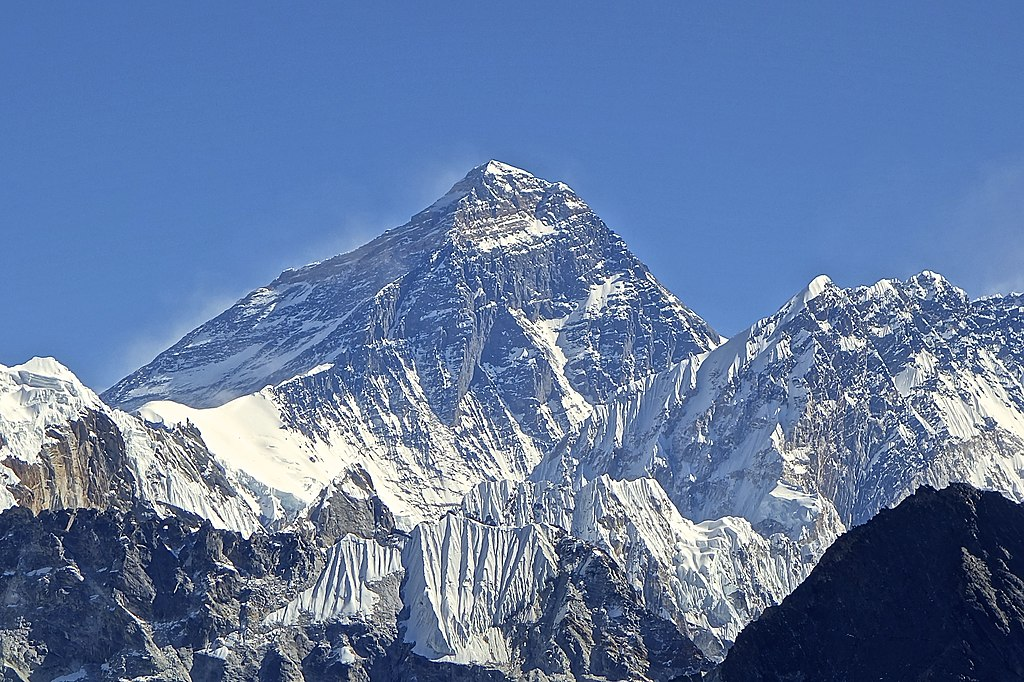 Mt. Everest from Gokyo Ri November 5, 2012.jpg