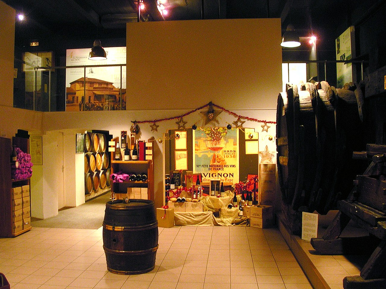 Deco Tonneau De Vin file:musée du vin brotte à châteauneuf-du-pape avec son