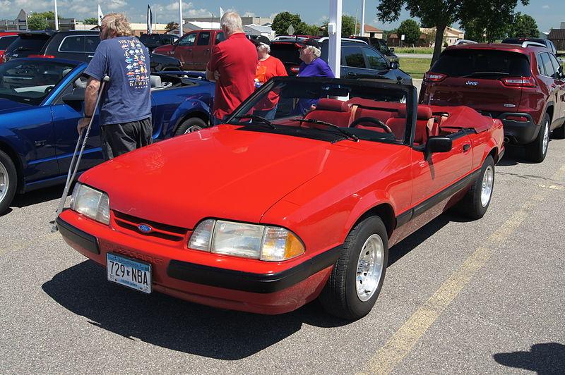 File:Mustang Round Up (14565031037).jpg