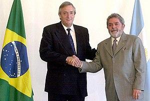 Néstor Kirchner y su homólogo brasileño Luiz Inácio Lula Da Silva en marzo de 2004