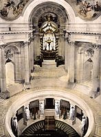 Napoleons tomb Paris France.jpg