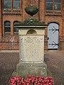 Neuenbrook Grabstein vor der Kirche IMG 5389.jpg