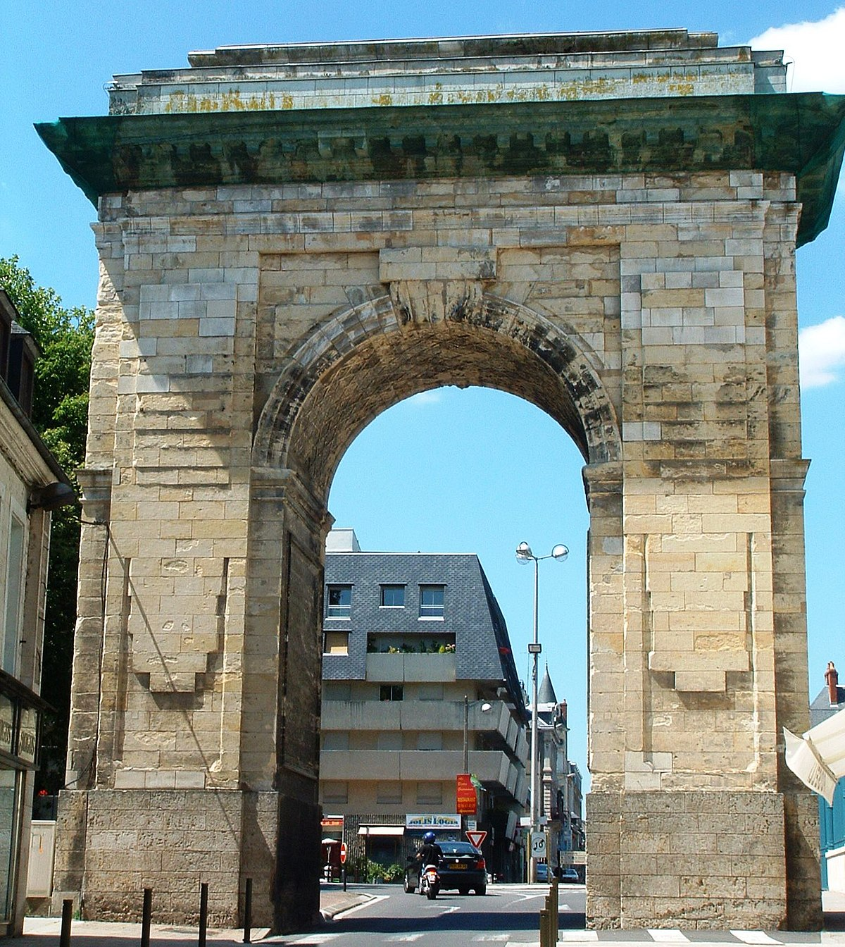 Porte de paris nevers wikip dia for Porte wikipedia