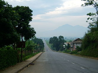 A main road near Nghia Lo Nghia Lo road.jpg