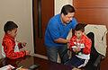 Niños ganadores de las Olimpiadas Especiales Intercantonales visitaron al Alcalde (11106484455).jpg