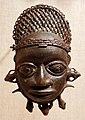 Nigeria, regno del benin, maschera pendente, xix secolo.jpg