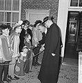 Nijkerk 550 jaar Zijne Excellentie minister dr B Kardinaal Alfrink was ook uit, Bestanddeelnr 914-9726.jpg