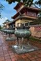 Nine Dynastic Urns, Hue (27767078029).jpg