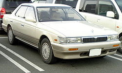 Nissan Laurel (1989–1993)