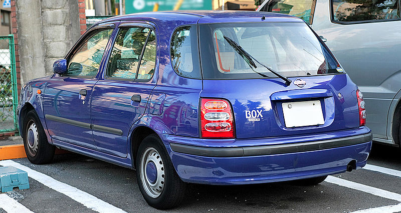 800px-Nissan_March_Box_002.JPG