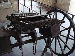 Nordenfelt machine gun 10 barrels.jpg