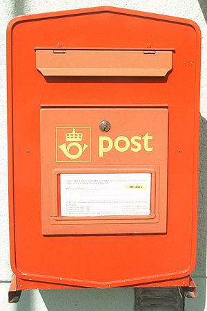 English: Red Norwegian Letter Box