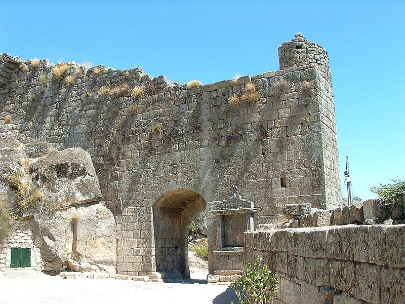 Image:Nt-castelo-sortelha-portas-vila.jpg