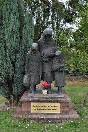 Heimatvertriebene - Image: Oberursel, Vertriebenendenkmal